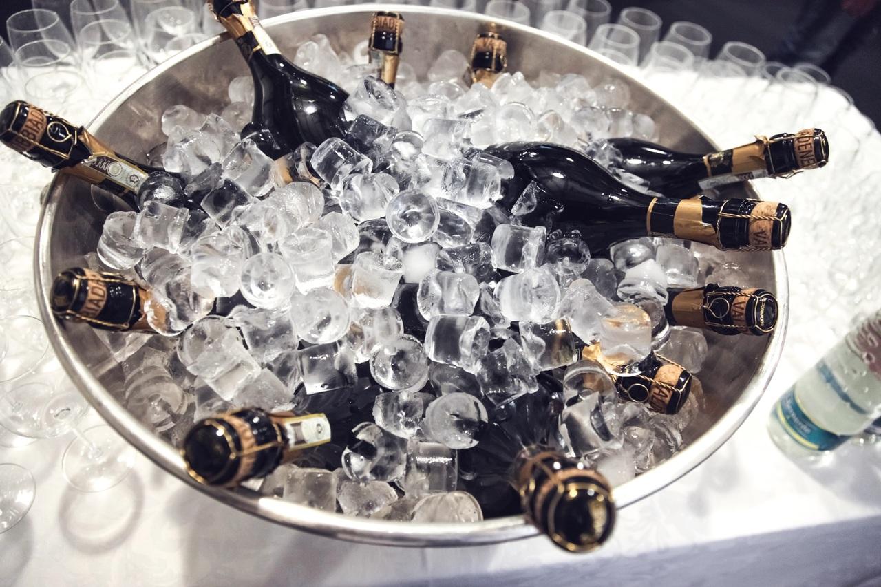 liquid-wine-glass-celebration-beverage-drink-1094500-pxhere.com